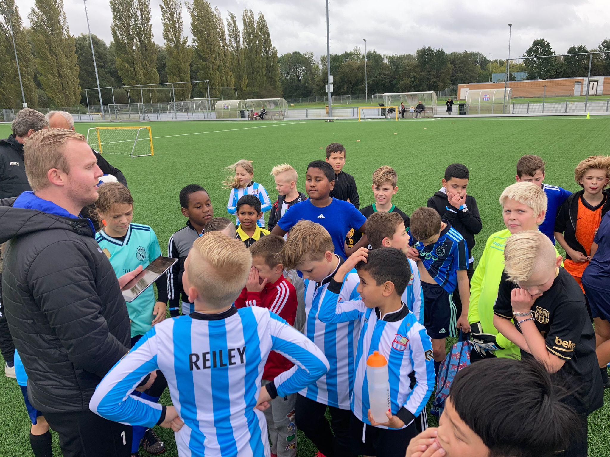 Geslaagde voetbaldag voor de jongste jeugd van SVO Buytenpark